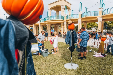 Boca Raton Pumpkin Patch Scarecrow Dress Up Village